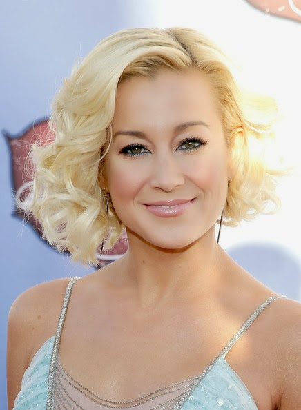 Kellie Pickler Curled Out Bob Hairstyle