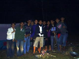 Camping Air Terjun Parangloe menghabiskan malam