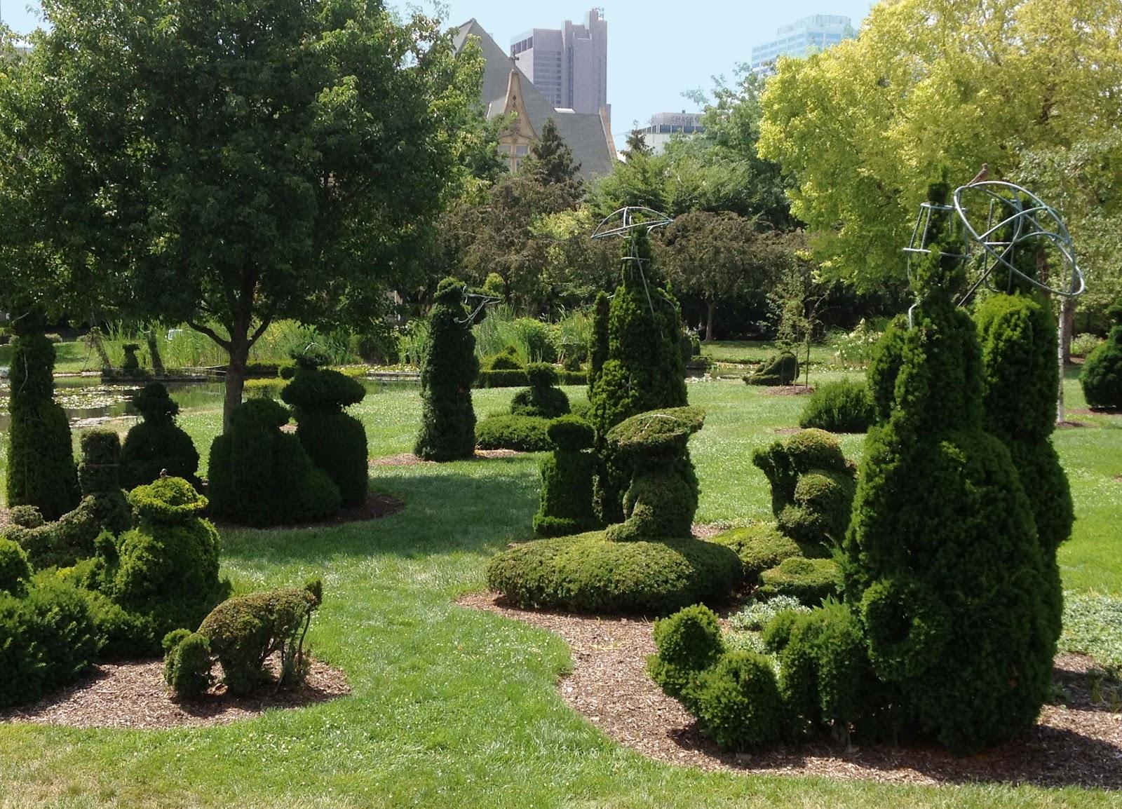 Entertaining Views From Cincinnati Topiary Park Taking