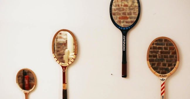 sunday morning raquettes de tennis miroir. Black Bedroom Furniture Sets. Home Design Ideas