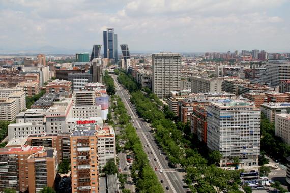 De madrid al cielo skyline de madrid for Madrid moderno