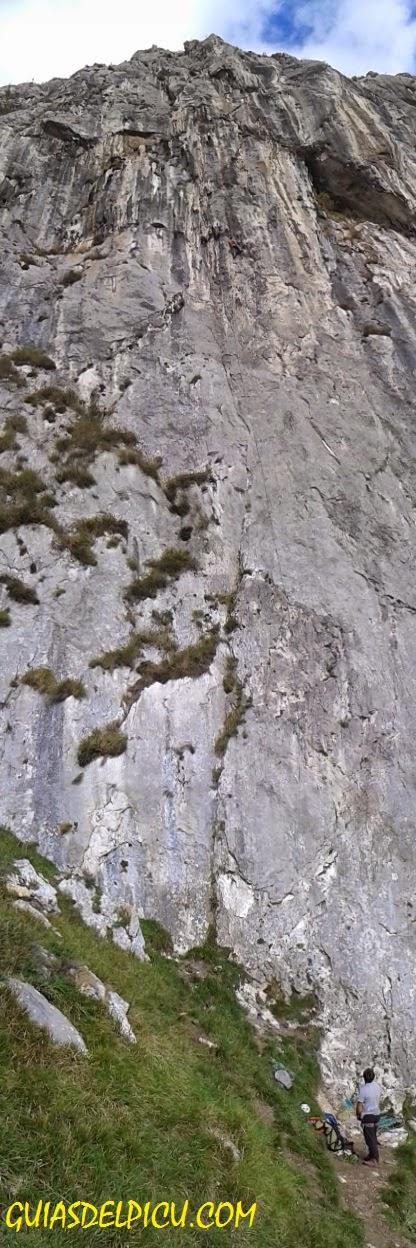 Guias de monta a de picos de europa dias de roca entre for Temperatura en otura