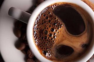 القهوة تقلل الماء في الجسم