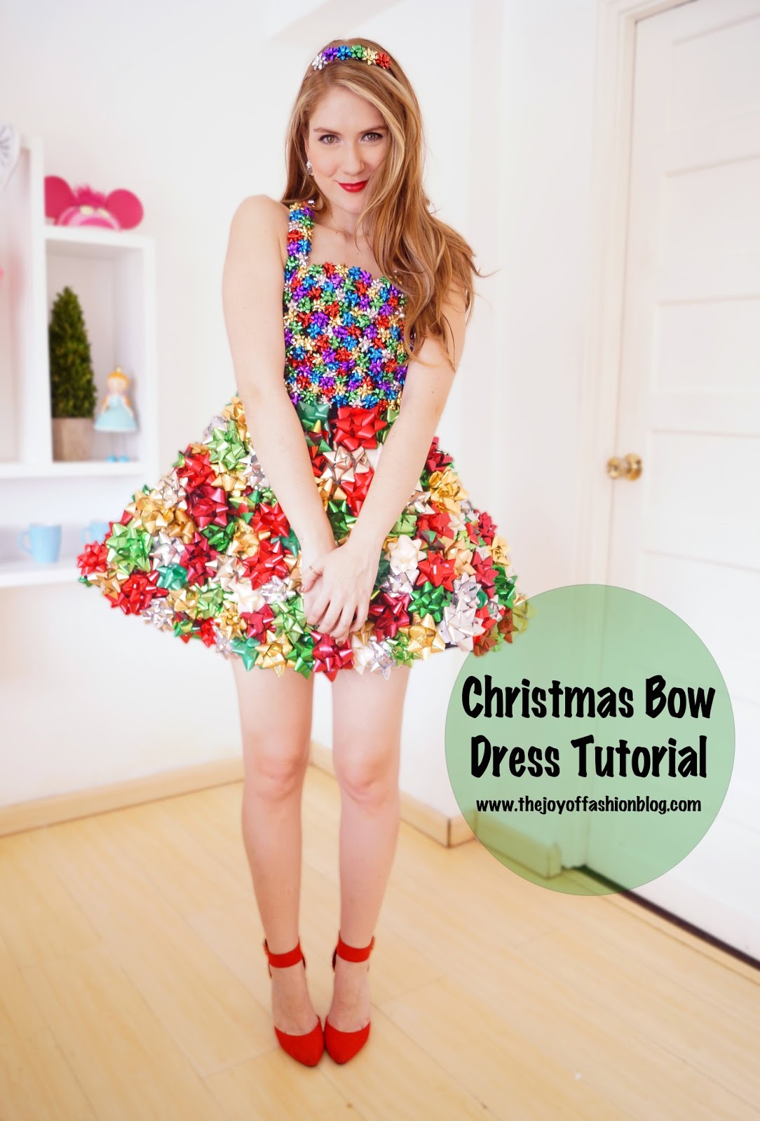 Christmas Bow Dress... Step by step Tutorial on the blog!