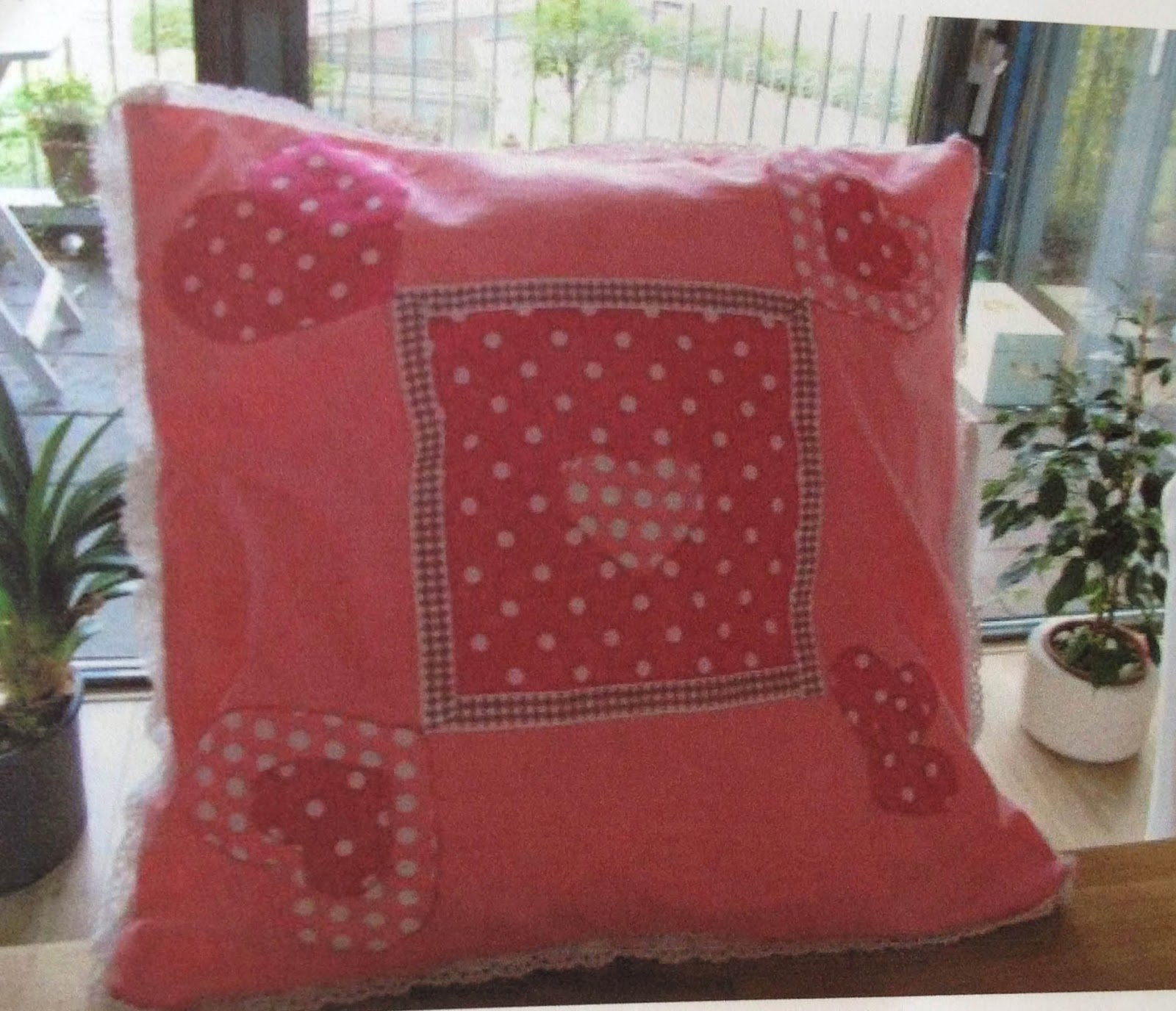 pillow made using quiltsmart sweet heart zigzapps