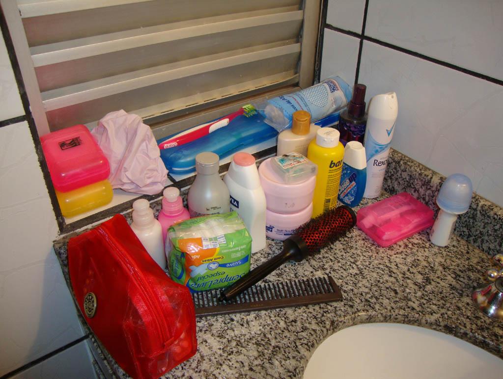 Meu banheiro Nossa aqui só tem a metade das coisinhas que tenho  #B98012 1024x772 Balança Banheiro Ponto Frio