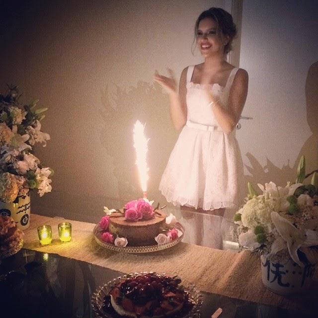 FCOWorldRios Mariana Rios ganha festa surpresa de aniversário