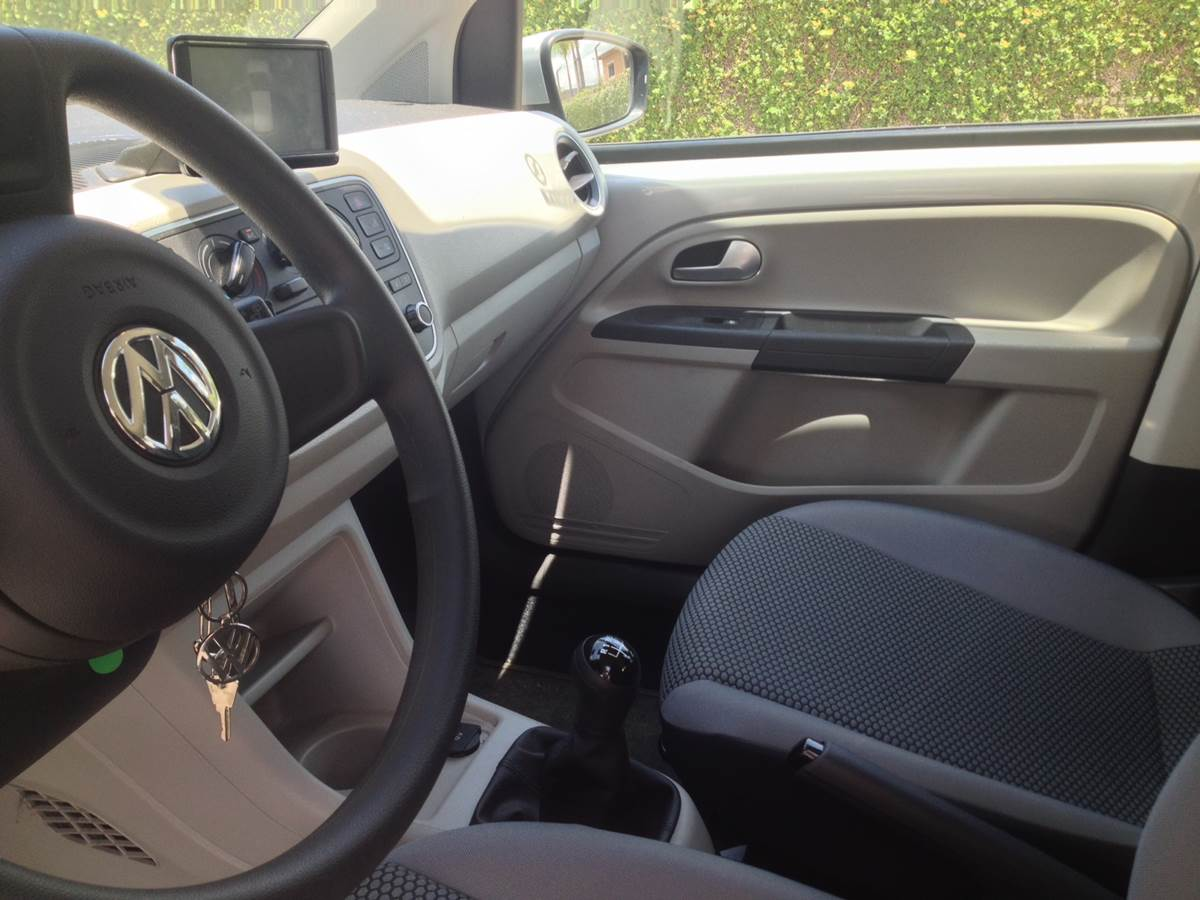 Volkswagen up! - acabamento impecável