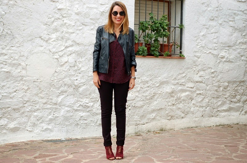 black and burgundy outfit