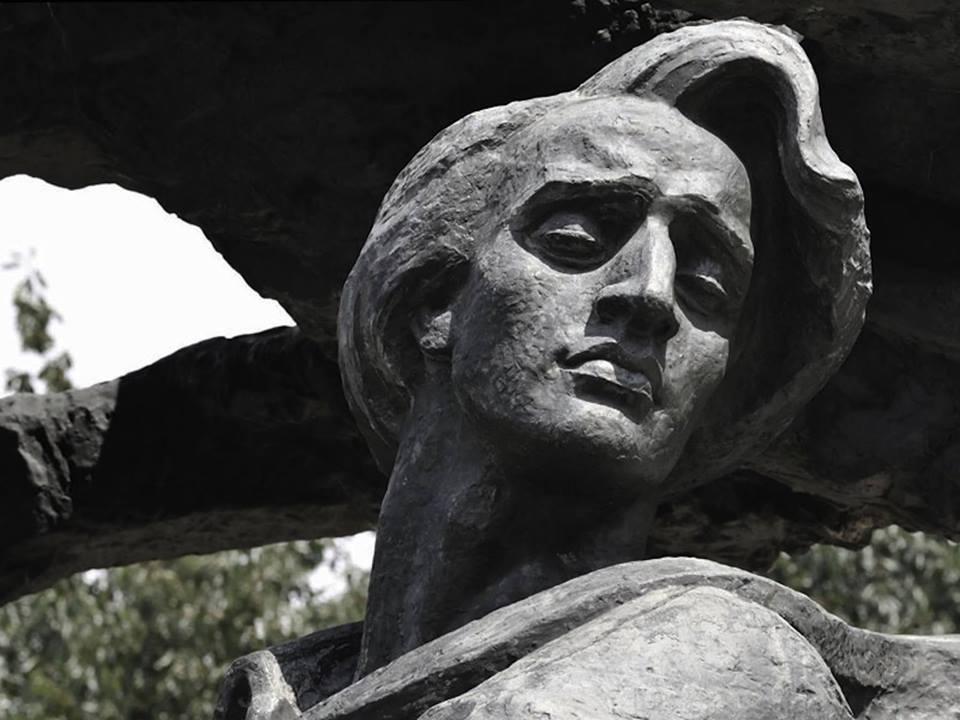 Chopin statue - Łazienki Park, Warsaw -