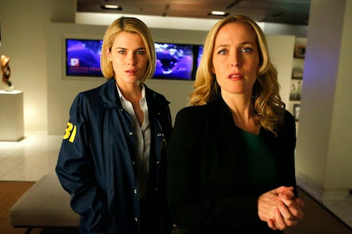 Rachael Taylor as Susie and Gillian Anderson as Meg in Crisis