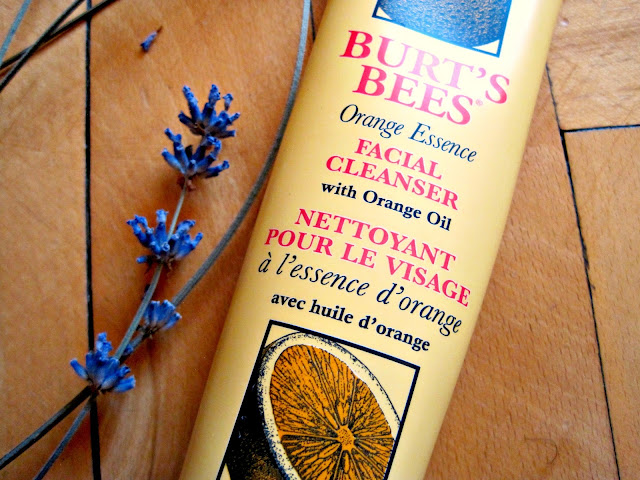 Review | Burt's Bees Orange Essence Facial Cleanser