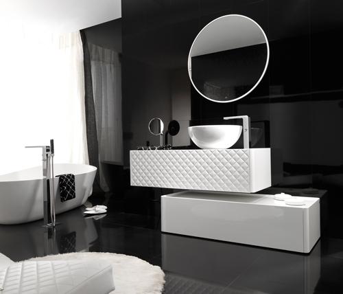 Baños Gris Con Blanco:De la primera imagen, me quedo con el efecto estético de enmarcar un