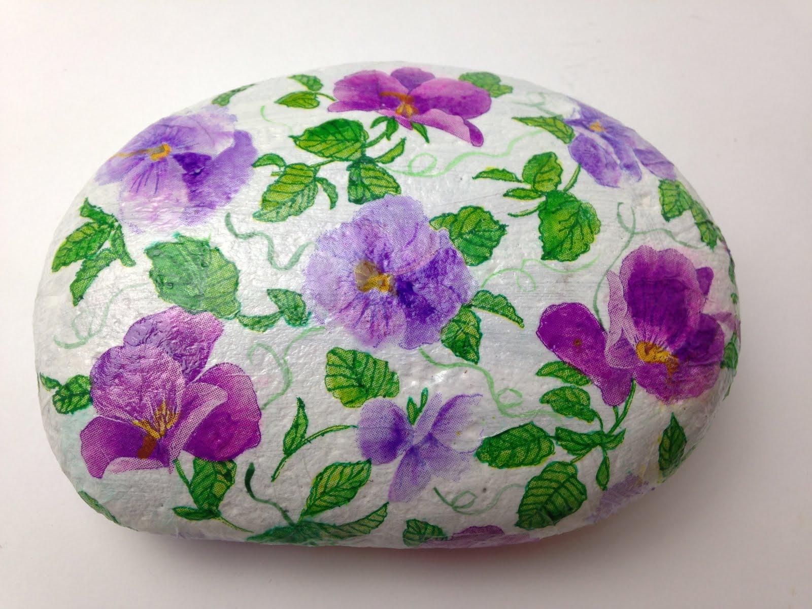 Podemos pintar sobre piedras y hacer hermosas decoraciones - Pintura color piedra ...