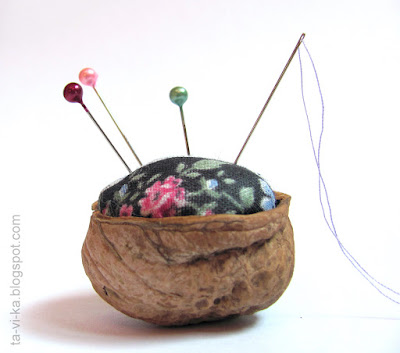 игольница из грецкого ореха needle holder walnut