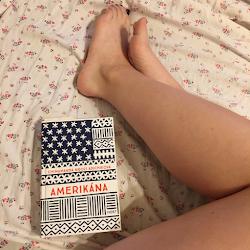 Práve čítam