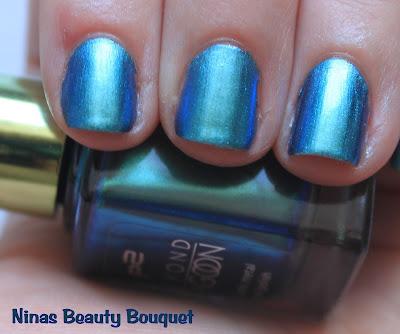 P2 LE Beyond Lagoon - Nagellack 010 underwater blue