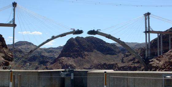 Construcción puente junto a la presa Hoover, 2008