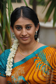 Telugu TV Serial Chi La Sow Sravanthi Actress Meena Kumari Latest Picture Gallery in Saree