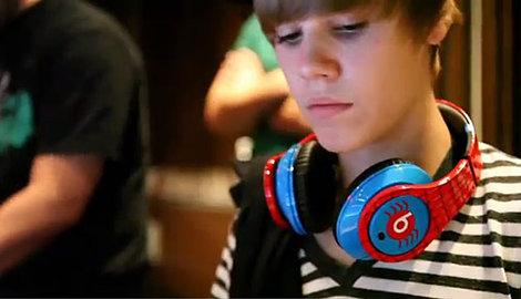 justin bieber beats dr dre. Justin Bieber Just Beats Ear