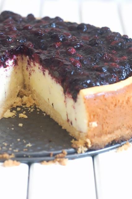 עוגת ריקוטה ואוכמניות