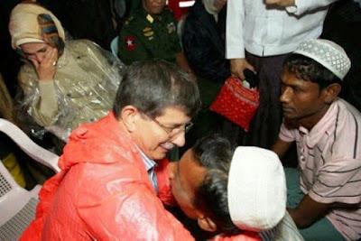 TNI Mengusir Pengungsi Muslim Rohingya, AL Turki Malah Kirim Kapal Bantuan