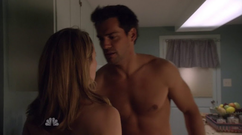Cristian De La Fuente Shirtless in Love Bites s1e05