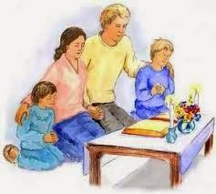 Il est essentiel de prier pour la France et pour la famille 111