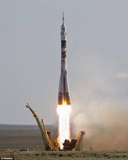 Soyuz TMA-04M bawa tiga angkasawan dilancarkan ke angkasa lepas