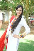 Kanika Kapoor latest photos-thumbnail-10
