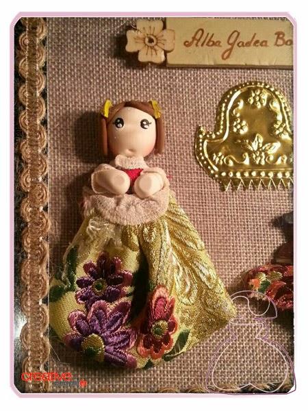 Detalles de la cajita fallera en madera decorada a mano, modelo Vitrina realizada por Sylvia Lopez Morant.