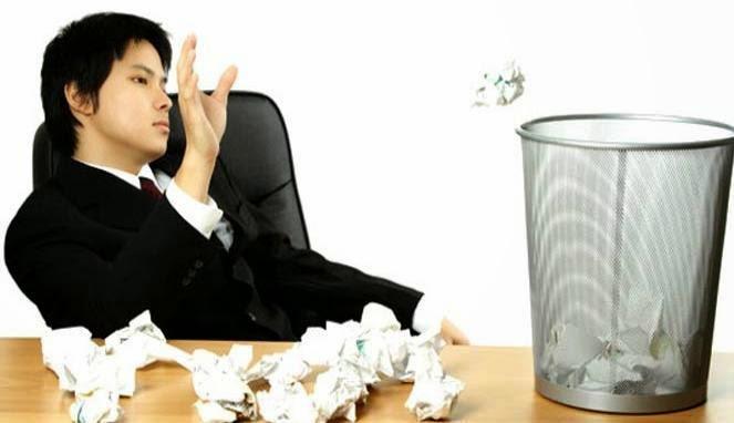 10 Cara Menghilangkan Rasa Bosan Saat Bekerja