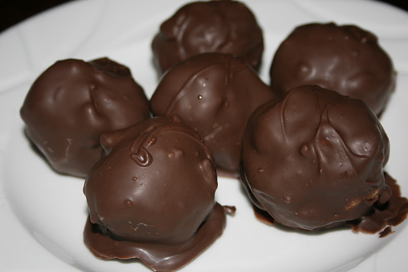 Glimmer And Grit: Peanut Butter Crunch Truffles