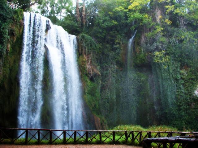 Cascada de Cola de Caballo en el Parque Natural del Monasterio de Piedra - que visitar