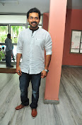 Karthi at Oopiri Pressmeet-thumbnail-1