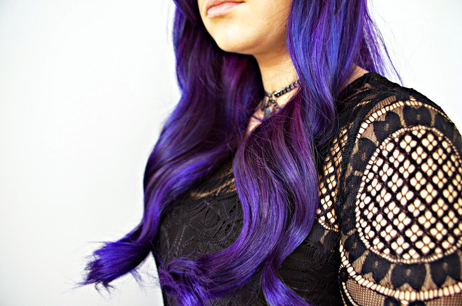 Vintage waves tutorial with purple hair.