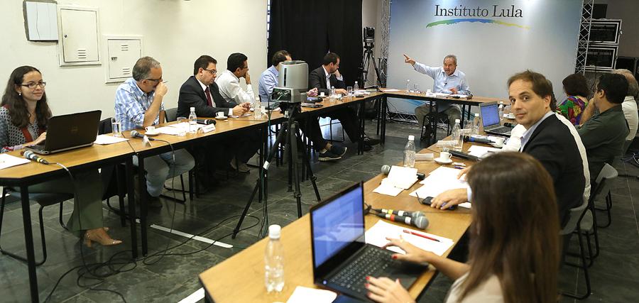 Luis Inácio Lula da Silva em entrevista a blogueiros - Um Asno