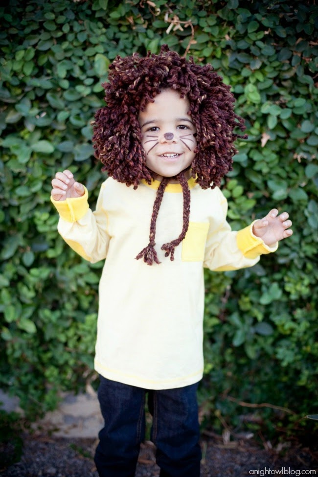 http://anightowlblog.com/2013/10/easy-lion-halloween-costume.html