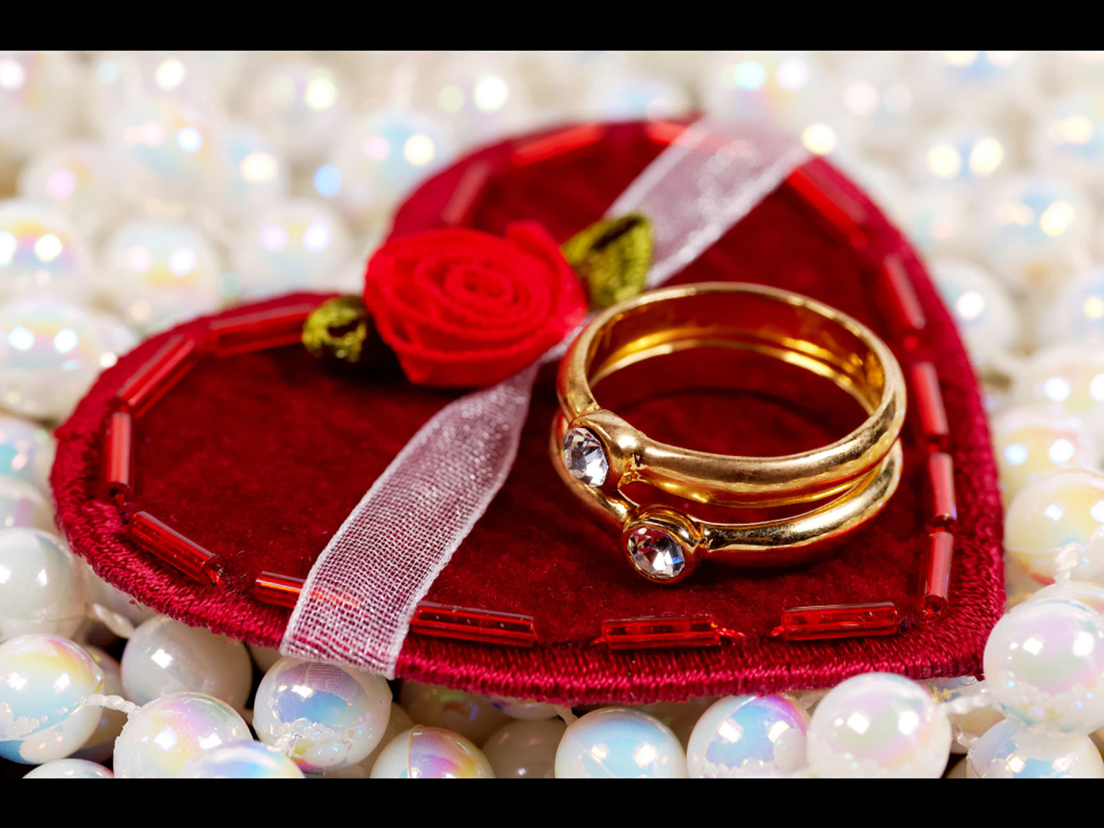 Car Press: 16 Valentines Day Gifts Wallpapers 2013
