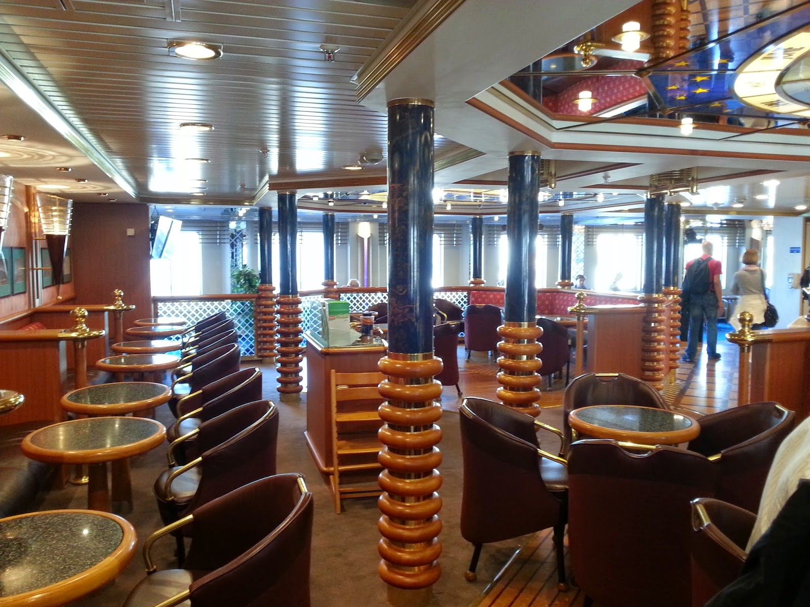 Hurtigruten MS Nordlys - Aurora Cafe