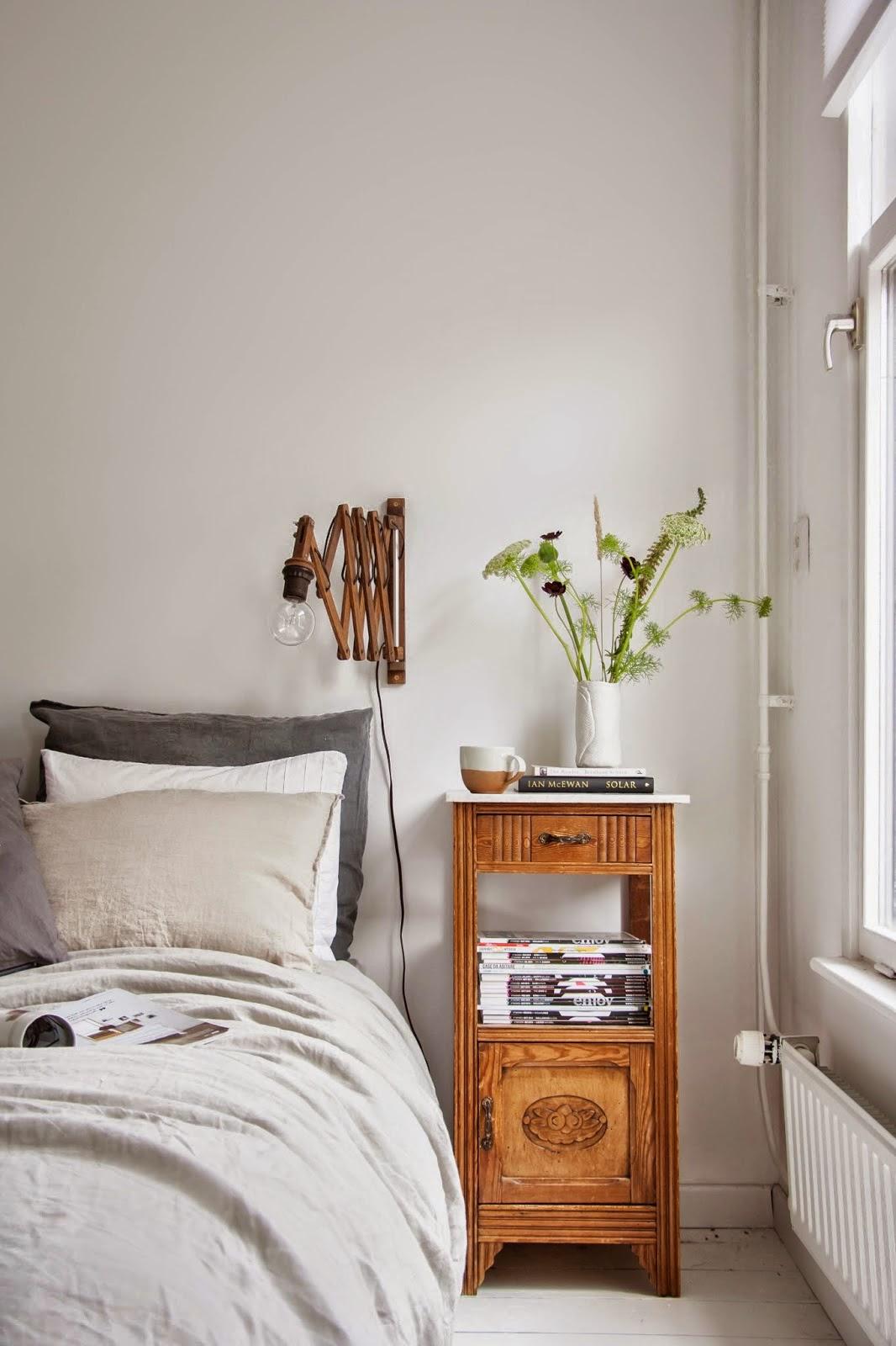 Un dormitorio con vestidor de estilo n rdico vintage - Dormitorio estilo vintage ...