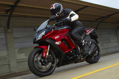 Motorcycle Choice  2011 Kawasaki Ninja 1000 Review