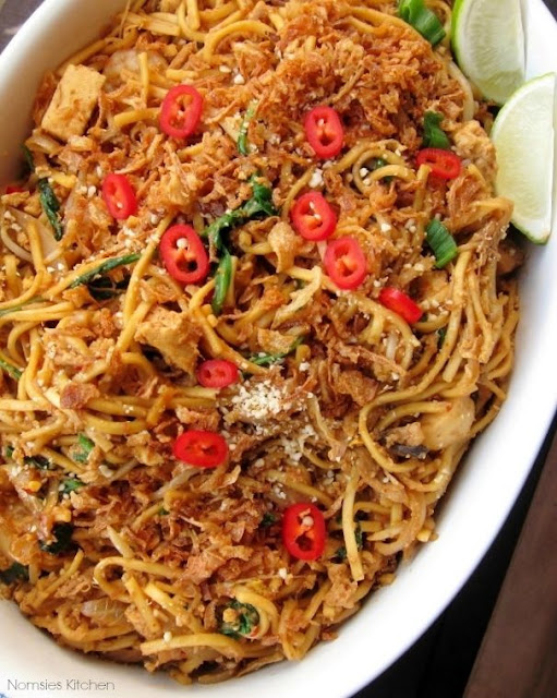 Recipe for Mamak Mee Goreng from Nomsies Kitchen