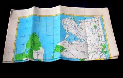 11-Map-Chart-3-Hyper-Realistic-Wood-Sculptures-Artist-Randall-Rosenthal-www-designstack-co