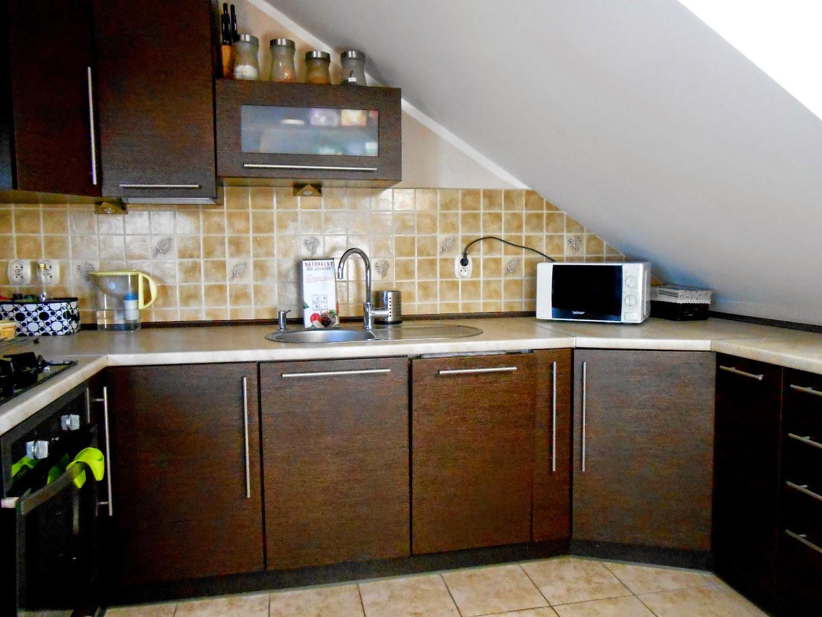 Mała kuchnia na poddaszu  Mama trojki pl -> Salon Kuchnia Na Poddaszu