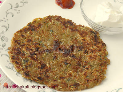 bottle gourd recipe, lauki pancakes, fasting recipes, fast recipes, vrat ka khana, dudhi bhoplyache thalipith, thalipeeth recipe