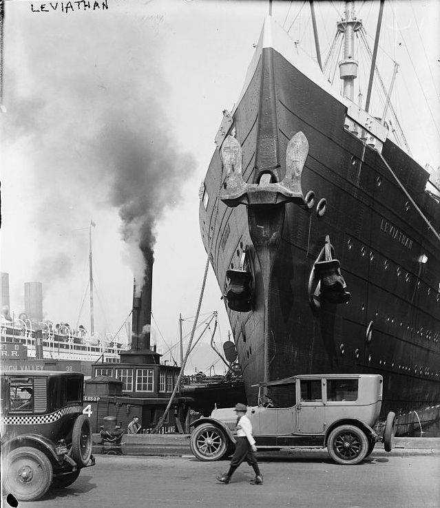lower west side piers circa 1920 s click to enlarge the ship s bow in