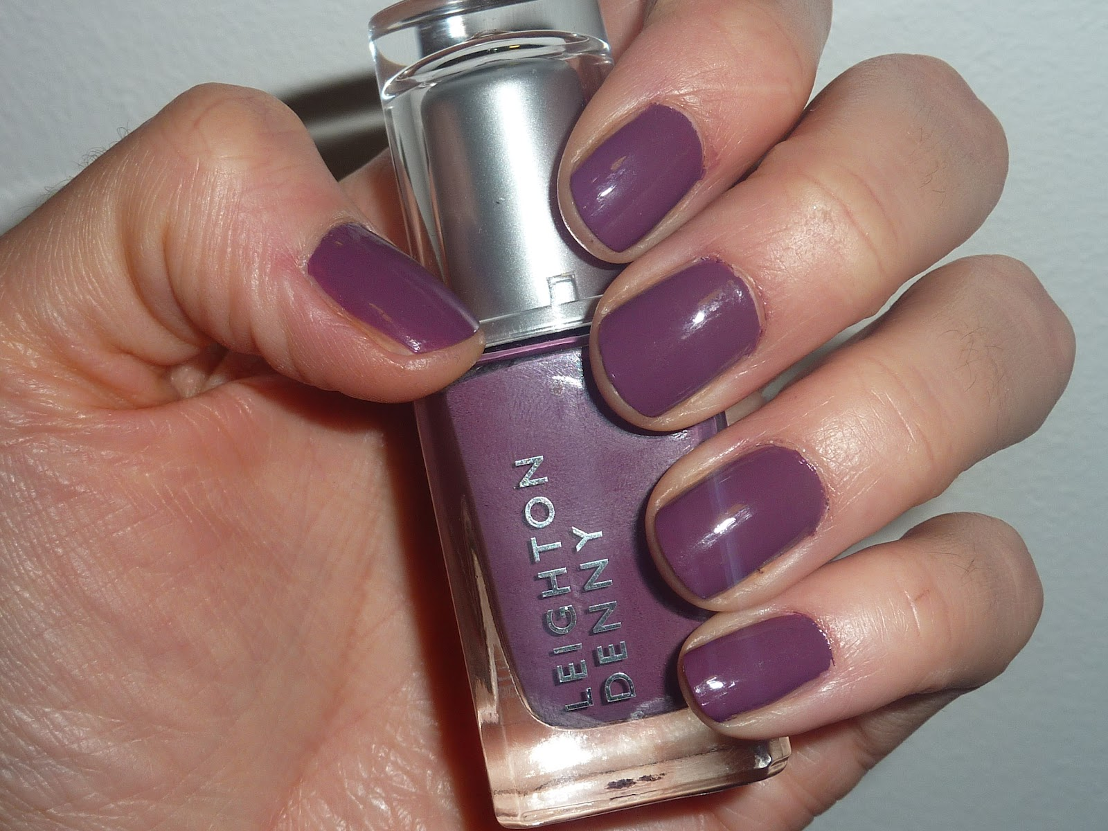 BEAUTY & LE CHIC: This Week\'s Nails... Crushed Grape from Leighton Denny