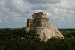 pe urmele mayasilor