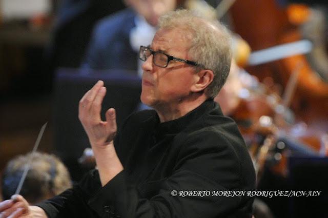 Osmo Vänskä, Director de la Orquesta Sinfónica de Minnesota, durante la segunda presentación de esta orquesta, en el Teatro Nacional de Cuba, en La Habana, el 16 de mayo de 2015